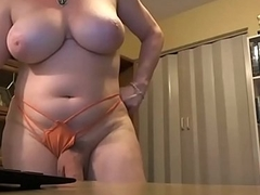 Well-endowed Hung Shemale Masturbating on Webcam