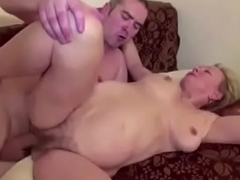 This guy Seduce Mom With hairy Cum-hole to Fuck and Camouflaged with Cum