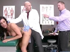 Horny Floosie Patient (austin lynn) And Doctor Relative to Sexual connection Adventures Upstairs Cam mov-06