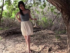 Arab dilettante woman blowjob outdoors