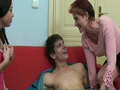 Teen Bitch with Stepmom fucking boy be worthwhile for lively load of cum in mouth